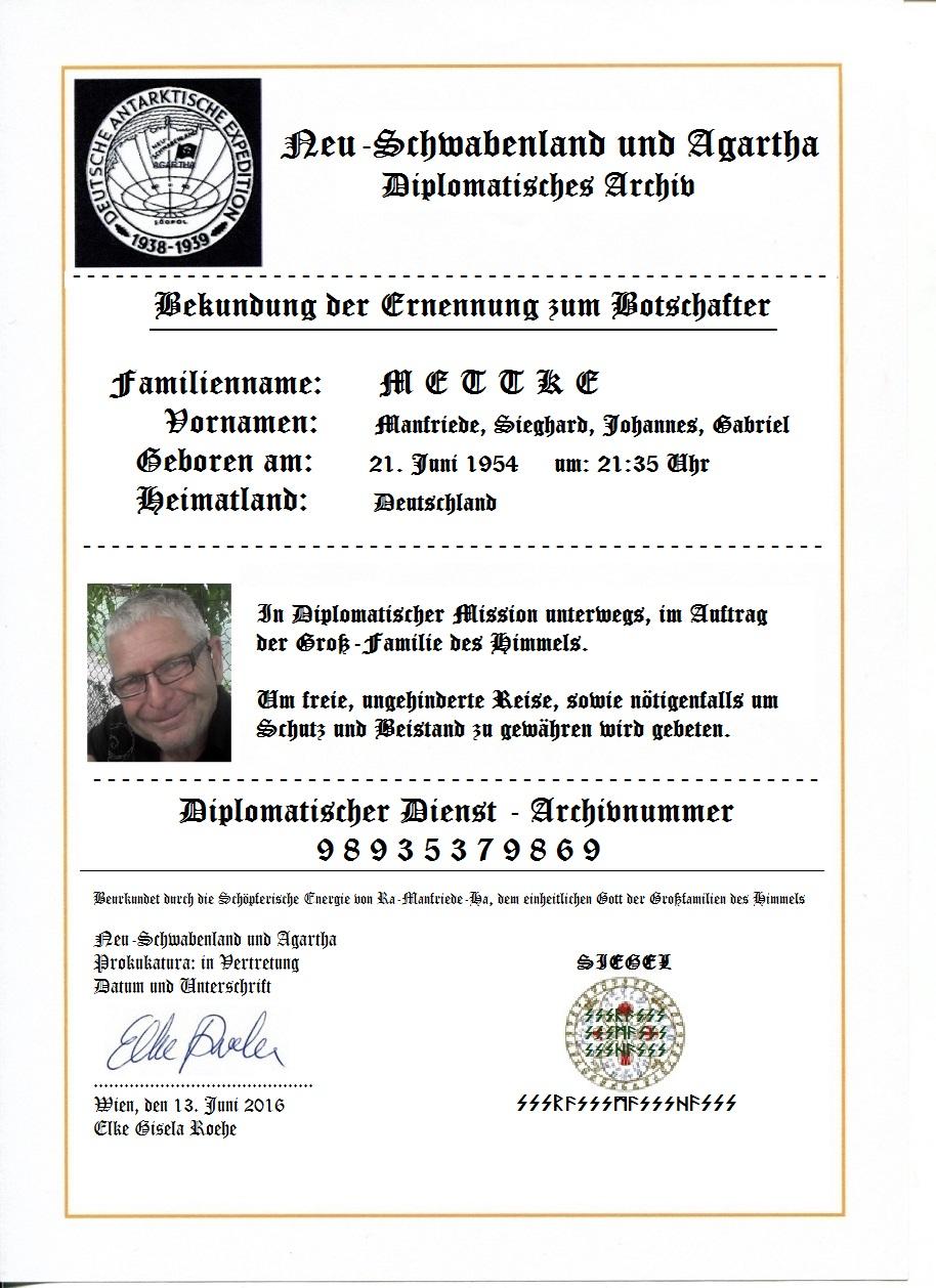 Diplo-Benennung mit Passbild und schwarz-weiß